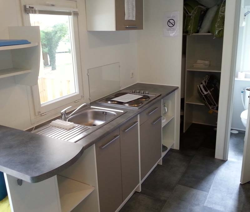 Camping Actinidias Evolution 27 - Kitchenette